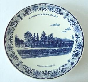 3097  Wandbord Kpl's mess Koning Willem II Kaz. Tilburg  29,5 cm