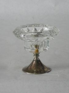 3033  Vintage glazen kandelaar met verzilverde voet