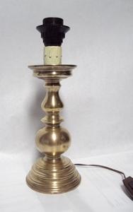 3026  Tafellampvoet  zwaar messing *  23,5 cm