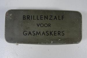 104  KL Brillenzalf voor Gasmaskers + inhoud